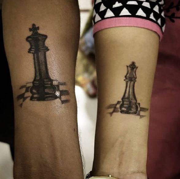 50 attractive queen tattoos designs for women 2018 tattoosboygirl. Black Bedroom Furniture Sets. Home Design Ideas