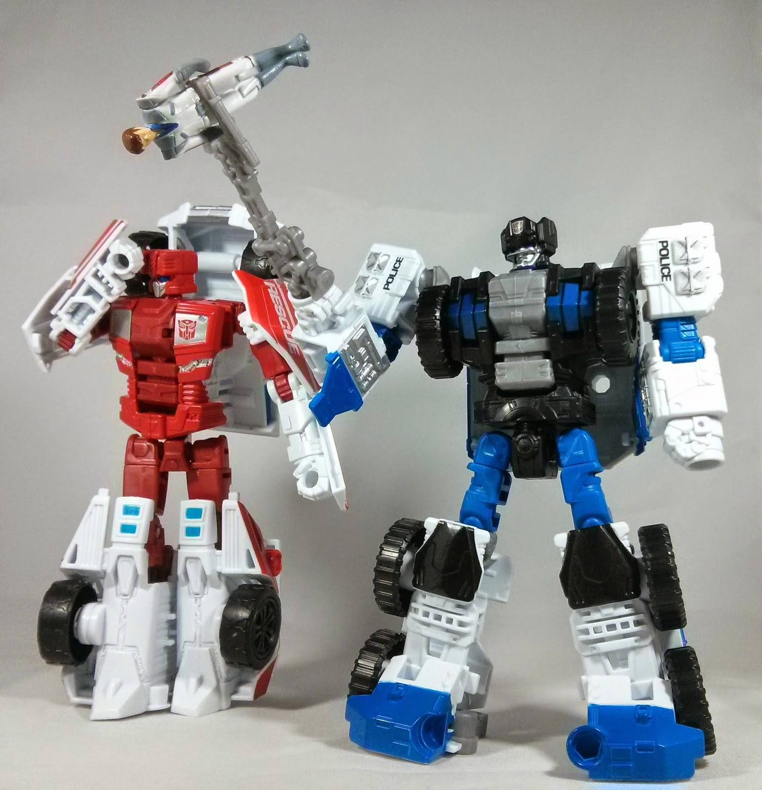 combiner wars First Aid and Rook