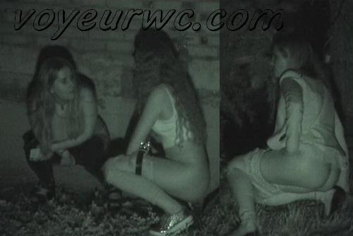 Girls Gotta Go 59 (Spanish drunk girls pee in a public place)