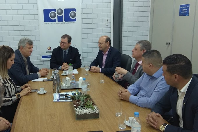 Senador Heinze faz palestra no Centro das Indústrias de Cachoeirinha