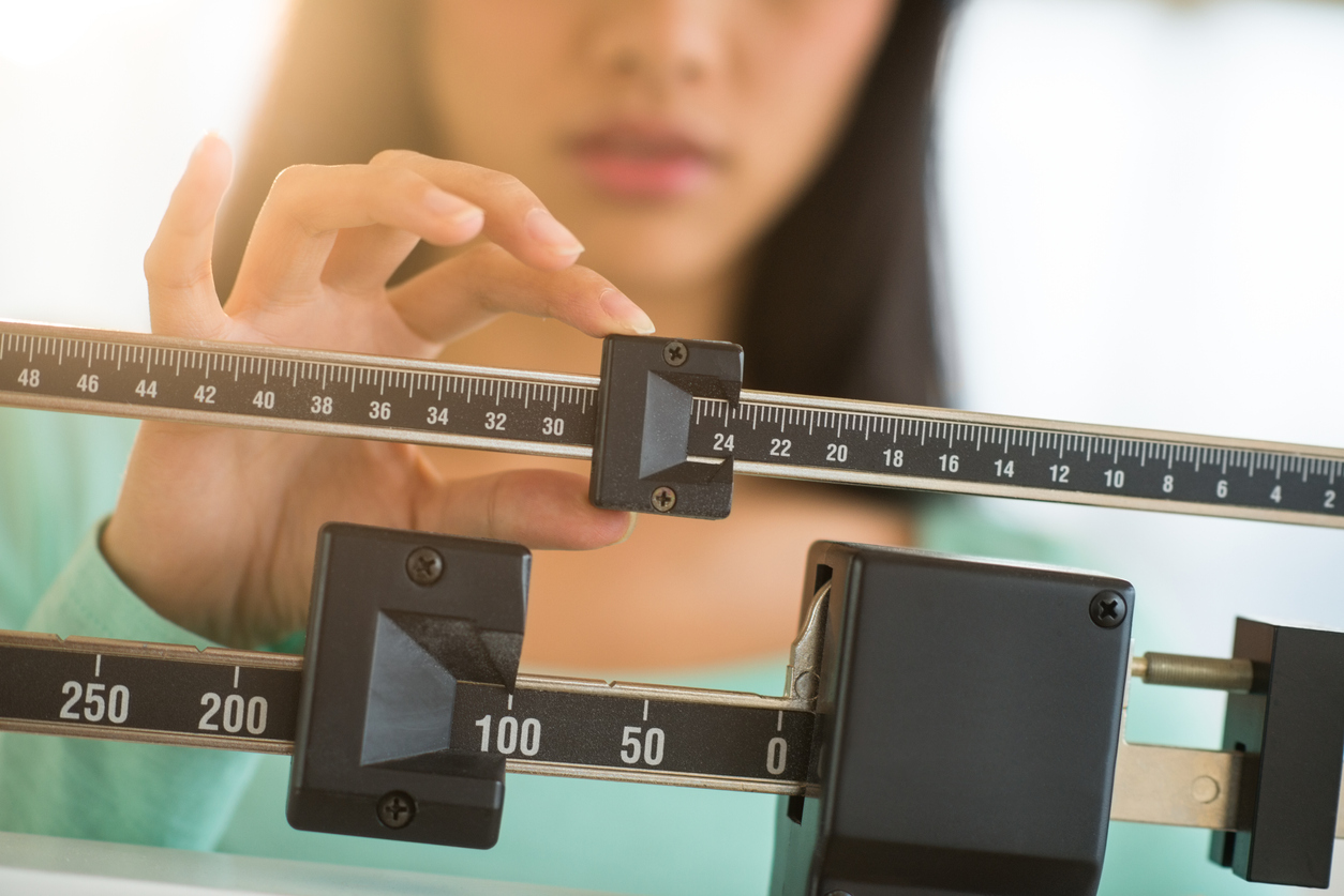 Tendency Toward Negative Moods in Preadolescence Linked to Eating Disorders in Young Adulthood