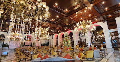 The Manila Hotel lobby lounge