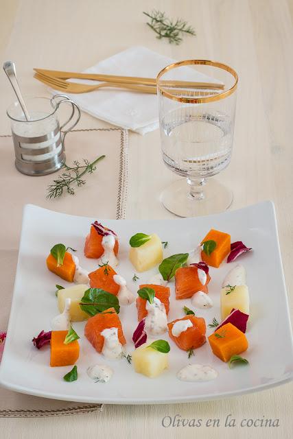 Ensalada de patatas y salmón marinado - Olivas en la cocina