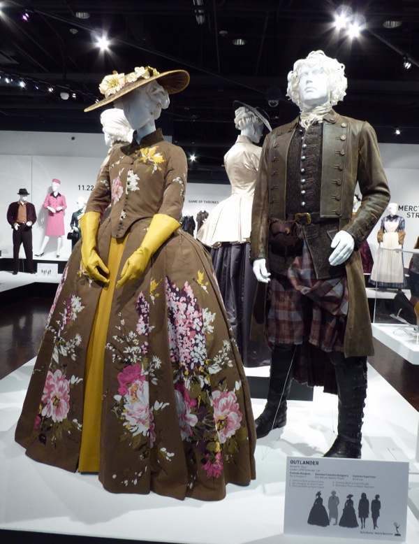 Claire Jamie Fraser Outlander season 2 costumes