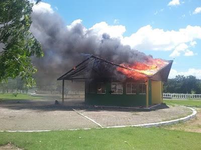 Base da Guarda Civil de São Miguel dos Campos (AL) é destruída por incêndio