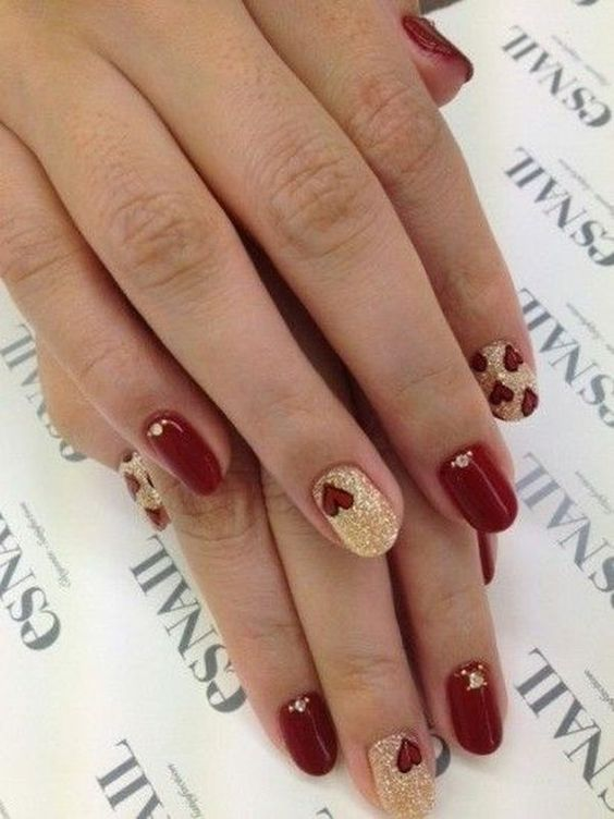 11 nail art design ideas for your wedding bling sparkle this nail art is perfect to complement the richness of the regal fabric you need to get your make up artist do prinsesfo Image collections
