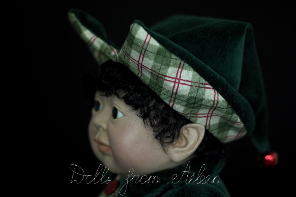 ooak Christmas elf art doll's face, view from side