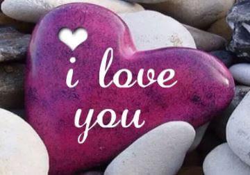 7 علامات غير معلن عنها تشير إلى أن شخصًا ما يحبك