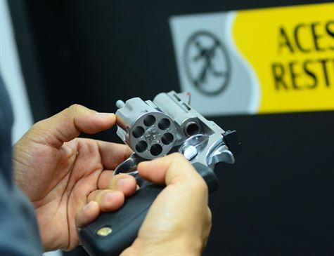 Senado derruba decretos das armas