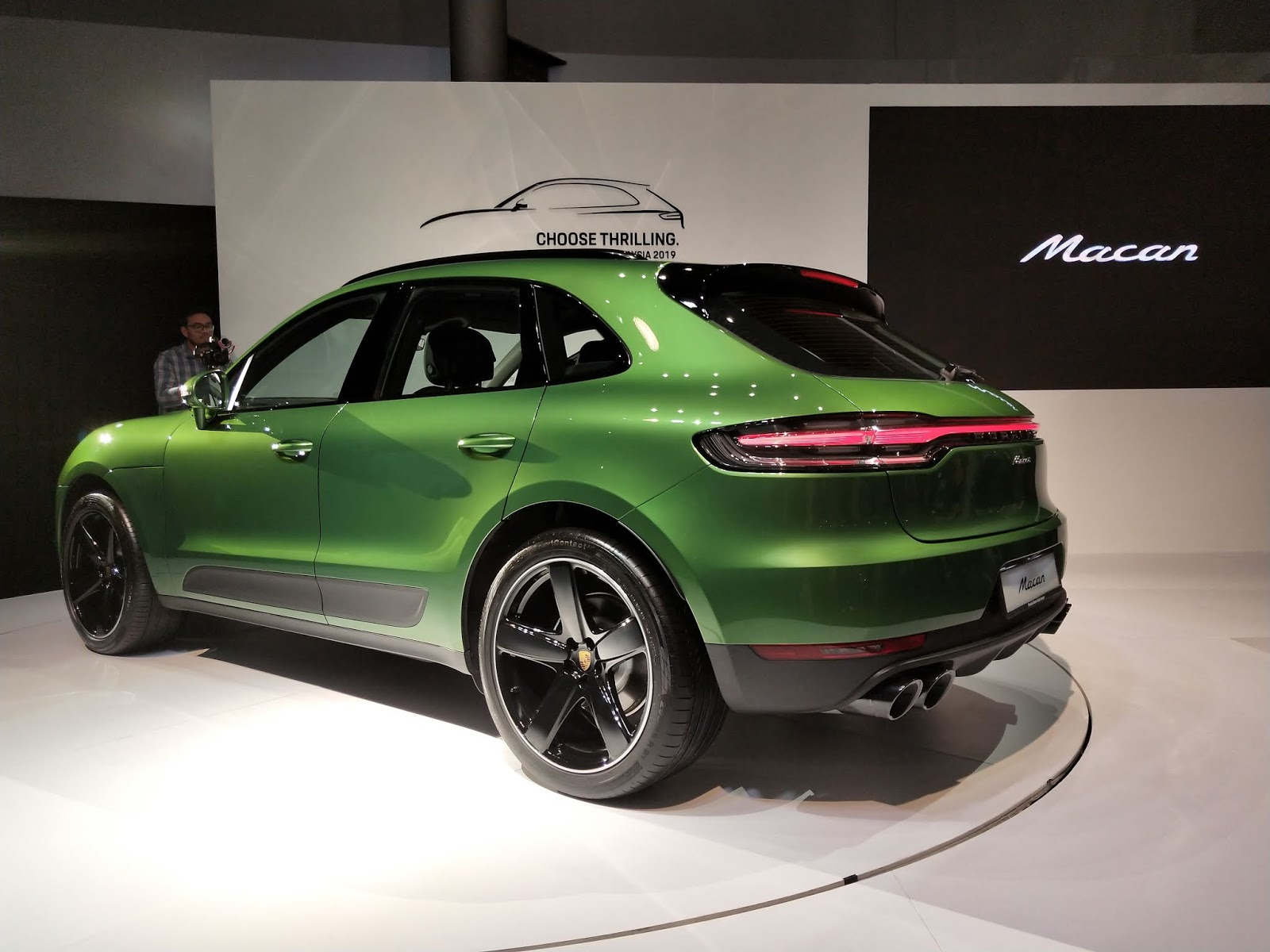 Motoring Malaysia The 2019 Porsche Macan Is Now Officially In Malaysia Prices Start At Rm455 000