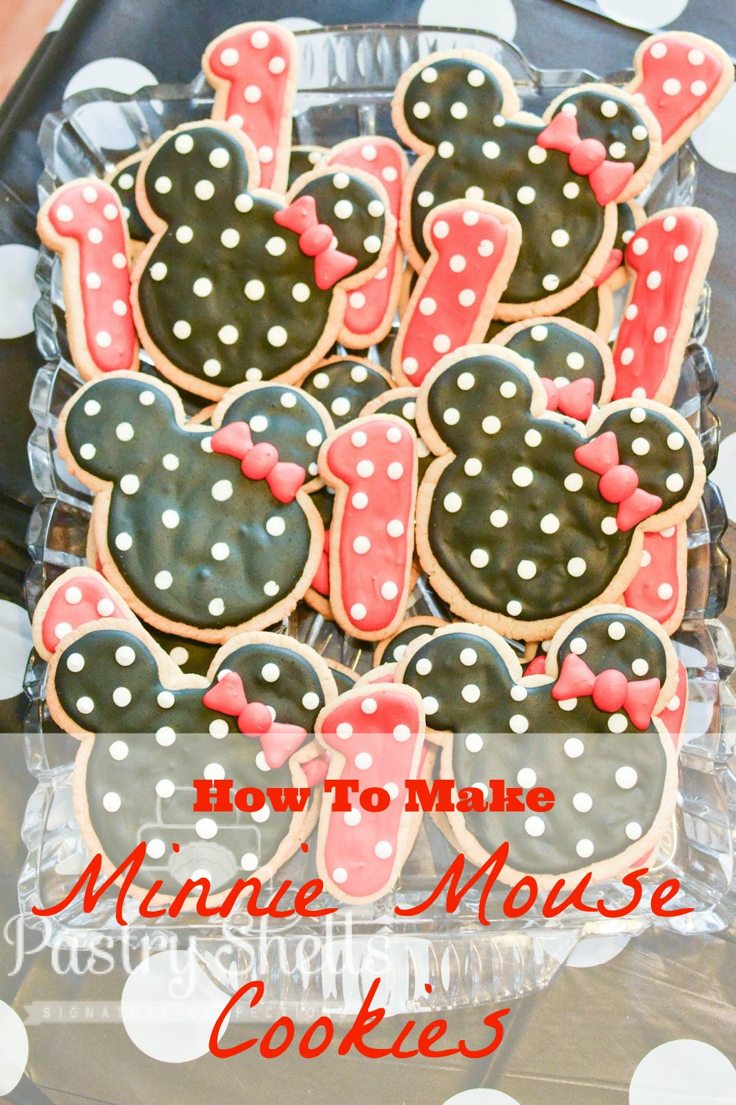 Here is the tutorial for the matching Minnie Mouse sugar cookies.  These are actually super simple and quick and great for beginners.