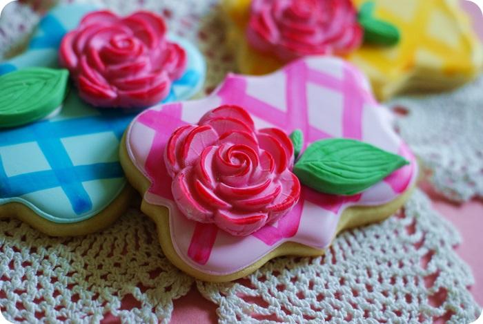 rose lattice cookies