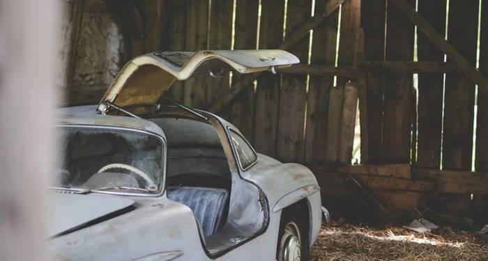 Unique Mercedes-Benz 300SL Gullwing