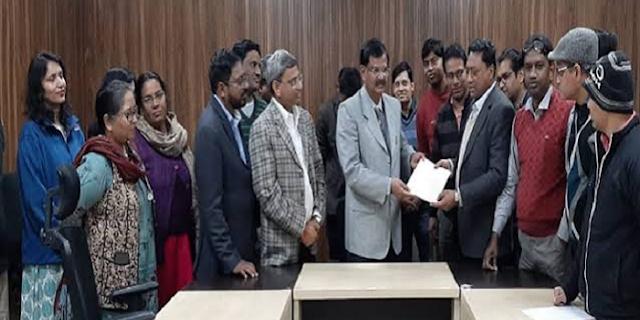 सातवें वेतनमान के लिये जबलपुर के 200 शिक्षकों ने इस्तीफा दिया | JABALPUR NEWS
