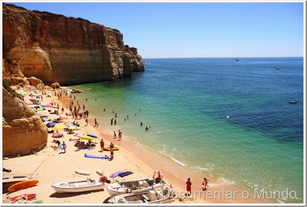Praia de Benagil; Praias do Concelho da Lagoa; Praias no Algarve