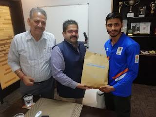 Manav Rachna Joined BBA(G) Course Gaurav Solanki Gold Medalist