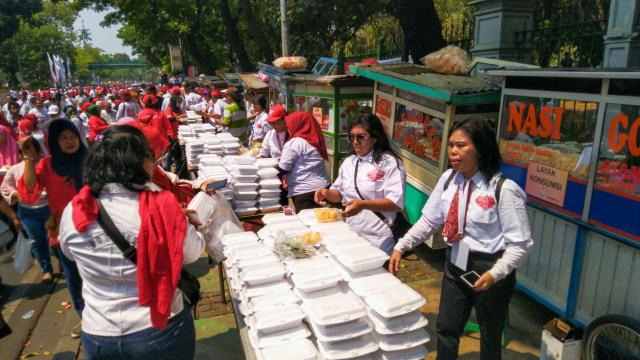 Nasgor Gratis untuk Relawan Jokowi, Pedagang: Baru Dibayar Setengah