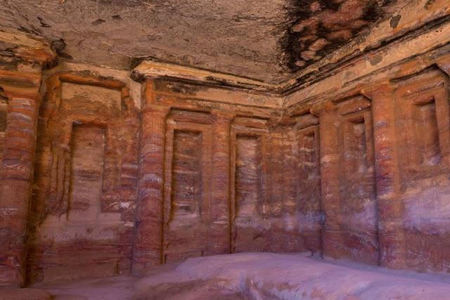 Triclinium colorido de Petra
