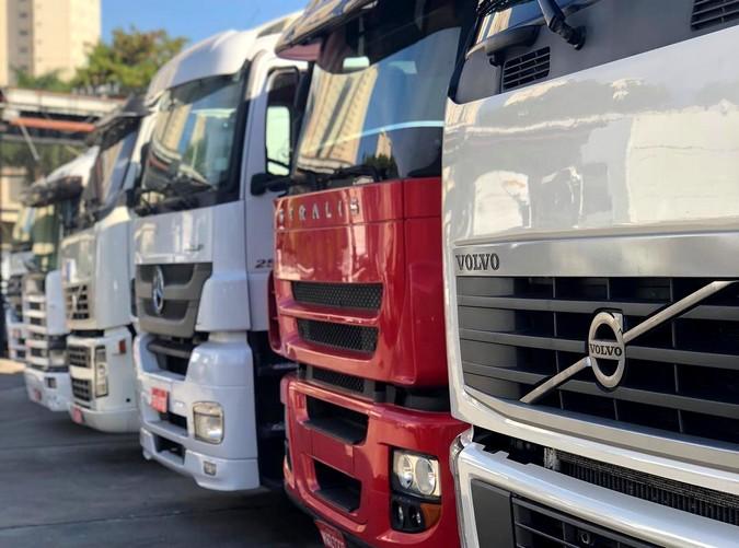 Mercado de caminhões seminovos cresce 54% no primeiro quadrimestre