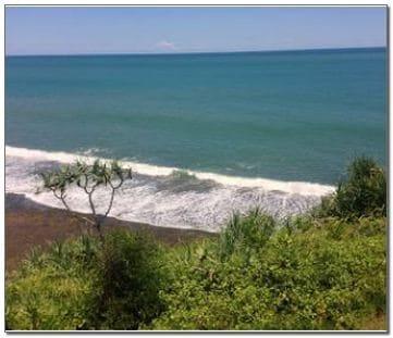 Pantai Nglolang Jogja