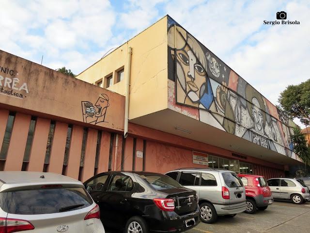 Vista da fachada da Biblioteca Municipal Viriato Corrêa - Vila Mariana - São Paulo