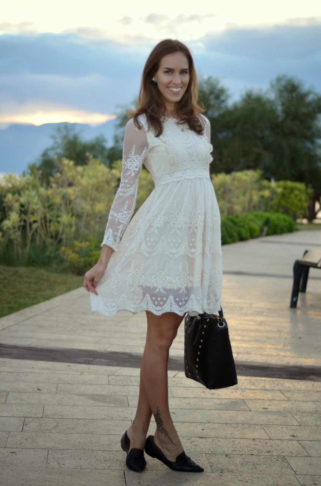 chicwish-white-lace-dress-outfit-turkey
