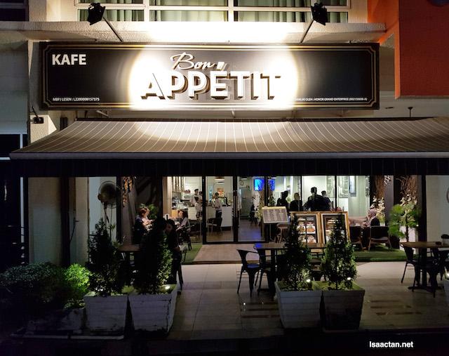 Bon Appetit Restaurant & Cafe @ Oasis Square, Ara Damansara