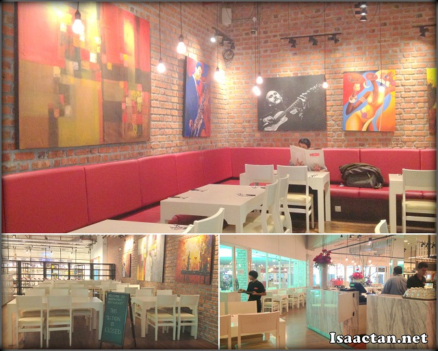 The interior deco of Meatworks Restaurant Citta Mall