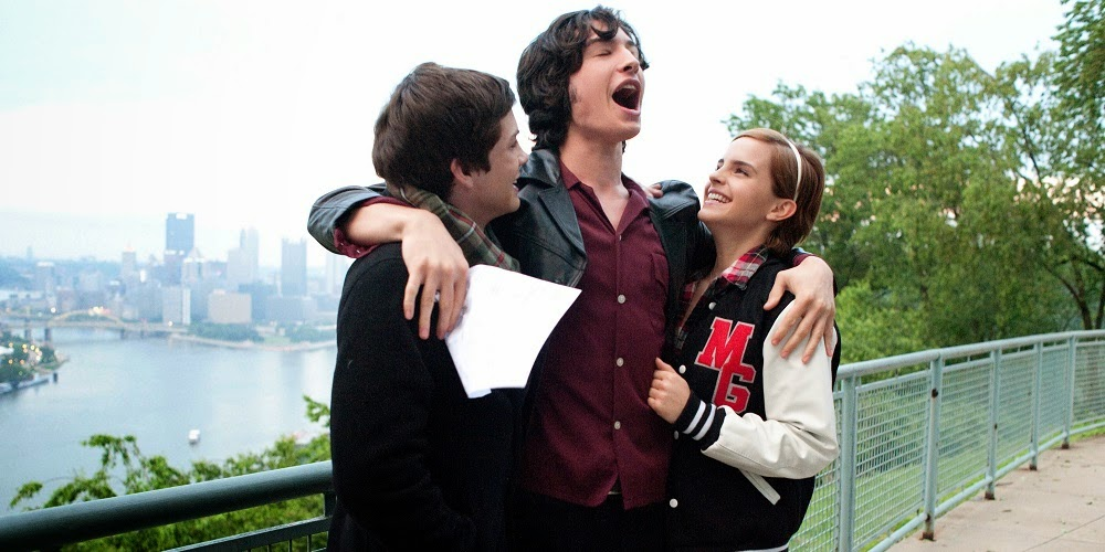 Logan Lerman, Ezra Miller e Emma Watson em AS VANTAGENS DE SER INVISÍVEL (The Perks of Being a Wallflower)