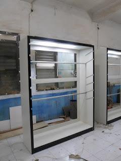 Produksi Etalase Interior Pakaian di semarang