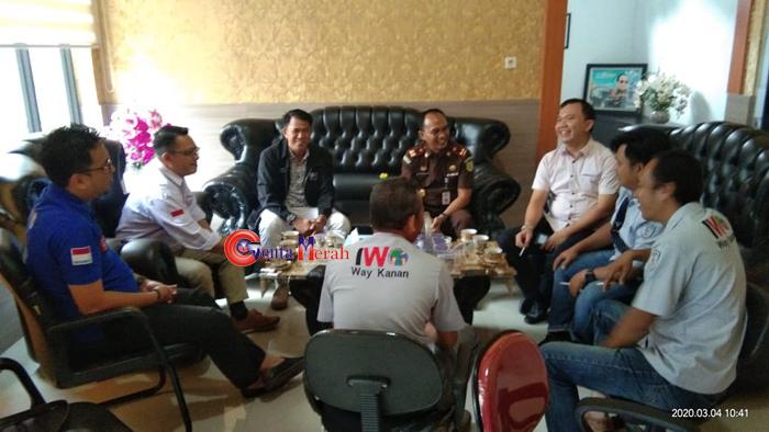 Kedatangan Pengurus IWO, Kajari Waykanan : Informasi Wartawan Sangat Kami Butuhkan