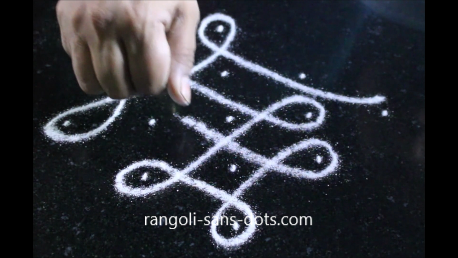 melika-muggulu-with 5- dots-image- 224ab.png