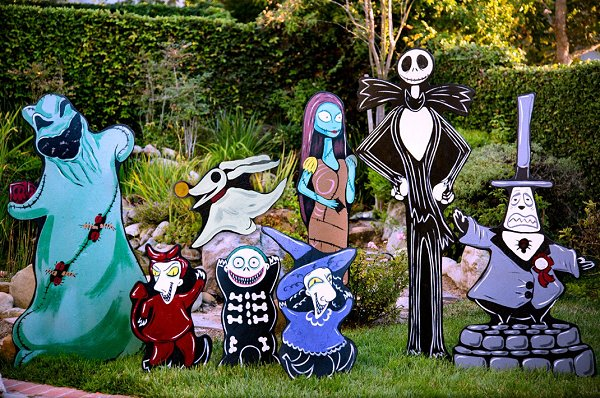 Nightmare Before Christmas Lawn decorations    nightmare before christmas decor  halloween decorating