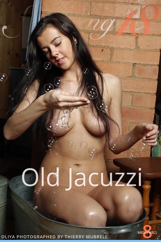 [Stunning18] Oliya - Old Jacuzzi 3521331484