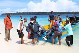 Markus Masnembra Kunjungi Potensi Wisata Pulau Urbi di Aimando