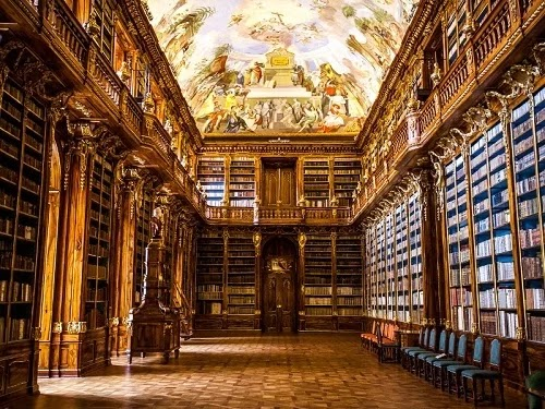 Library like European masterpieces of art
