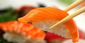 рис для суши рецепт приготовления, рис для суши какой нужен, виды риса для суши, рисовый уксус, рисовая заливка рецепт, http://prazdnichnymir.ru/, рис, роллы, суши, кухня японская, закуски, приготовление роллов, блюда из морепродуктов, закуски из морепродуктов, блюда из риса, блюда из рыбы, кулинария, рецепты кулинарные, еда, про еду, про роллы, про суши, Техника приготовления суши и роллов, как сделать роллы своими руками, суши в домашних условиях, суши пошаговый рецепт с фото, что нужно для роллов в домашних условиях, как приготовить роллы приготовление в домашних условиях, начинки для суши и роллы в домашних условиях, рецепт с фото начинка для суши, запеченные роллы в домашних условиях, запеченные роллов в домашних условиях рецепт с фото, как готовить ролы дома, суши в домашних условиях, чем заменить рисовый уксус для суши, начинка для роллов основные виды, роллы филадельфия рецепт с фото, как заворачивать ролл, лучшие рецепты домашних роллов, как сварить рис для суши, как сварить рис для роллов, как приготовить заливку для риса рецепт, как приготовить заливку для сущи рецепт, какие бывают начинки для роллов, как называются некоторые виды роллов, самые вкусные роллы рецепт, роллы своими руками, роллы для праздничного стола, японская кухня, японские блюда, японская традиция, лучшие японские рецепт, как сделать роллы рецепт,Япония, кухня японская, суши, роллы, блюда из рыбы, блюда из риса, блюда из морепродуктов, история еды, еда, кухня национальная, про суши, про Японию, про еду, про кухню, про рыбные блюда, кулинария, традиции, про рыбу, про рис, рис, рыба, морепродукты, вассаби, Праздничный мир, http://prazdnichnymir.ru/, О суши, роллах и японских традициях. Какие бывают суши?О суши, роллах и японских традициях. Какие бывают суши?