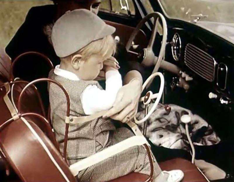 La sécurité automobile d'autrefois !!!! Vintage-baby-car-seats-14