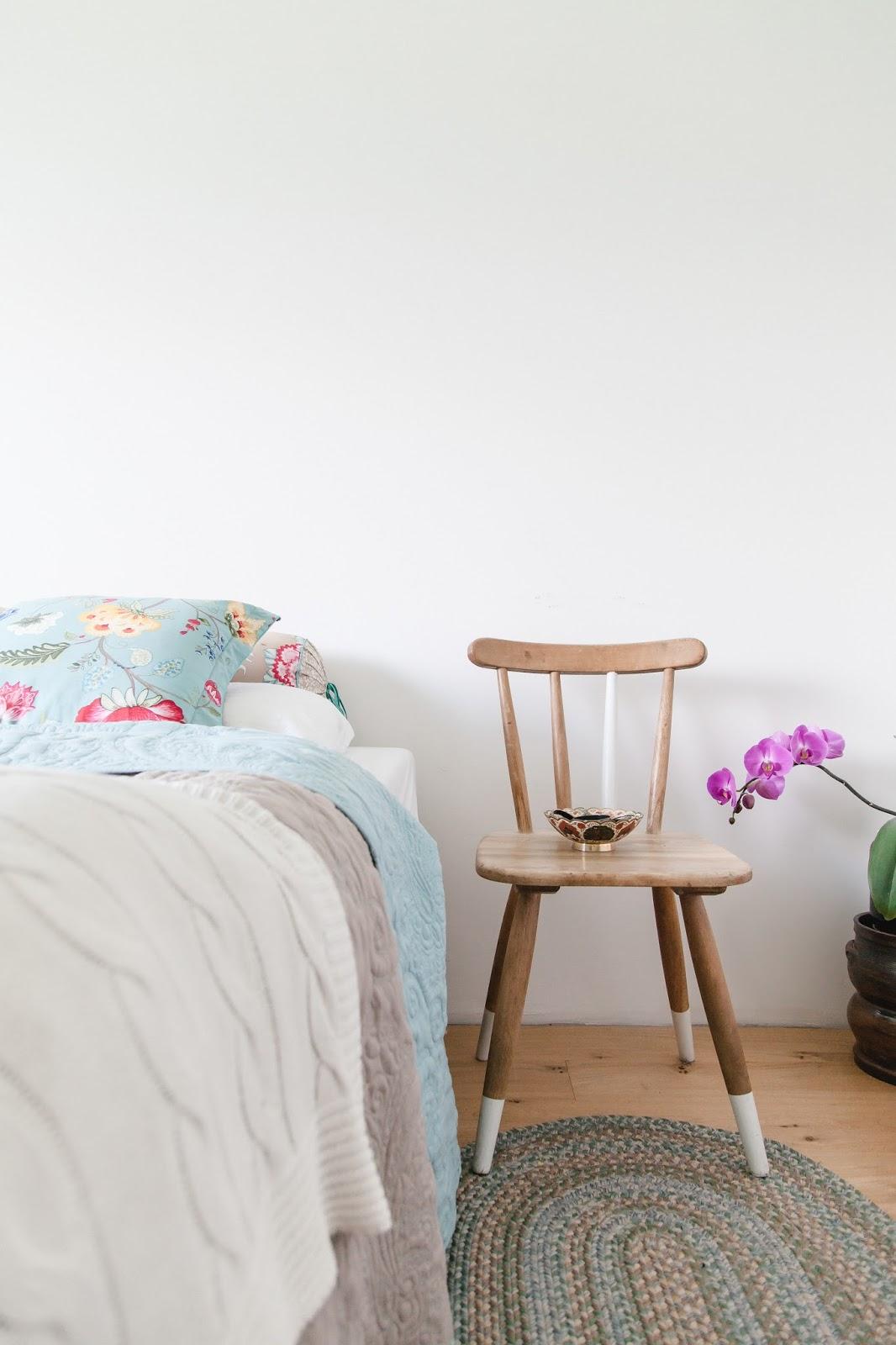 blumenmuster im schlafzimmer nicht wirklich doch wohnprojekt wohnblog f r interior diy. Black Bedroom Furniture Sets. Home Design Ideas