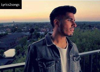 Tujhe Kitna Chahne Lage Lyrics | (English Remix) | Arjun