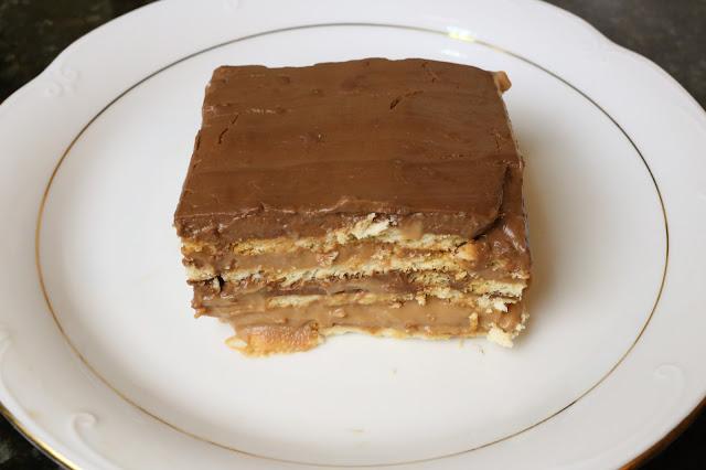 Tarta de dos chocolates y galletas