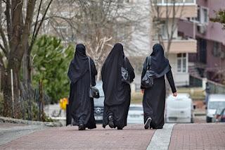 10 Keuntungan Bagi Muslimah Mengenakan Hijab Syar'i