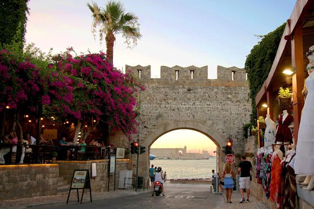Vhod v staro mesto Rodos, Grčija