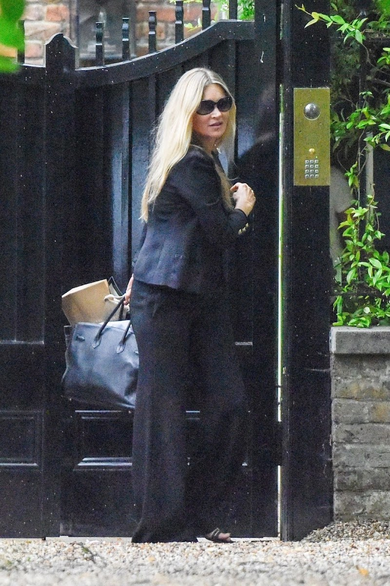Kate Moss Leaves Her Home in London  17 Jun -2020