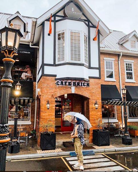 Cafe Brick Palagan- 3 Cafe Milineal Yang Asyik Buat Nongkrong Di Jogja