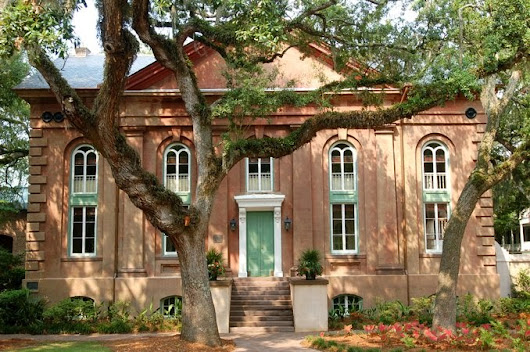 A Brief History of the CofC Libraries