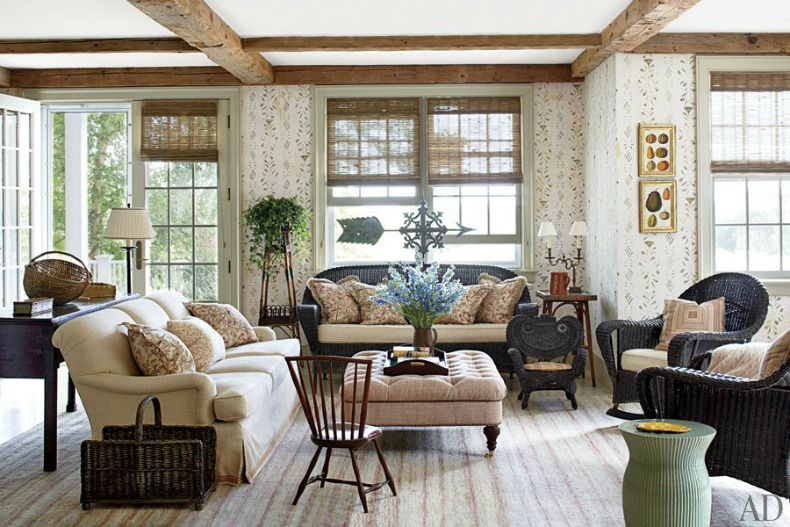 Beautiful creamy, natural tones with dark wicker create a chic cottage design.
