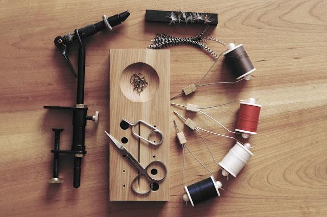 テンカラ毛ばりの自作に必要な道具とマテリアル(素材)
