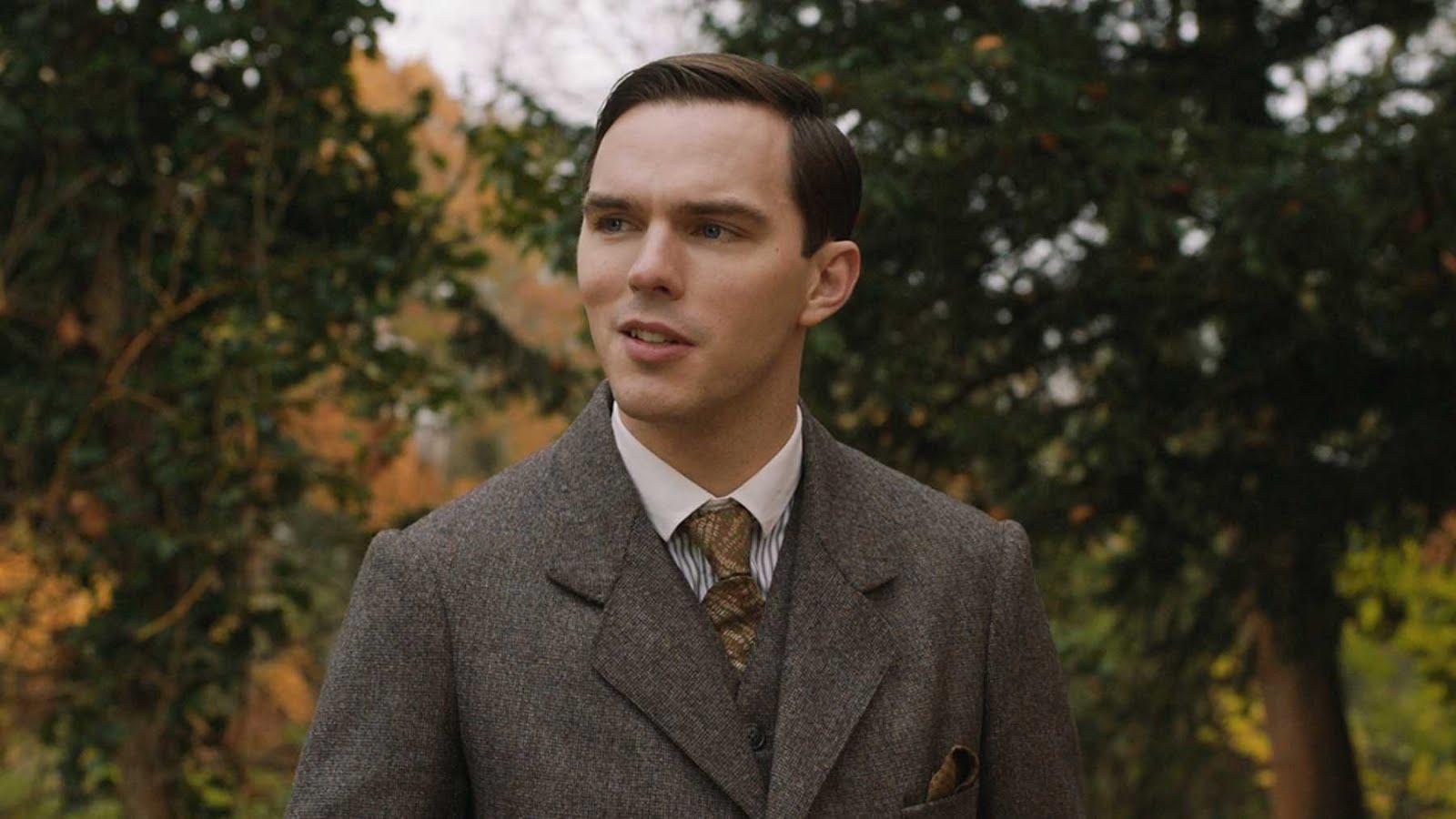 Tolkien, biopic aux sources d'une oeuvre mythique lafianceedelarbre