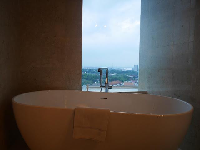bath tub de paviljoen bandung